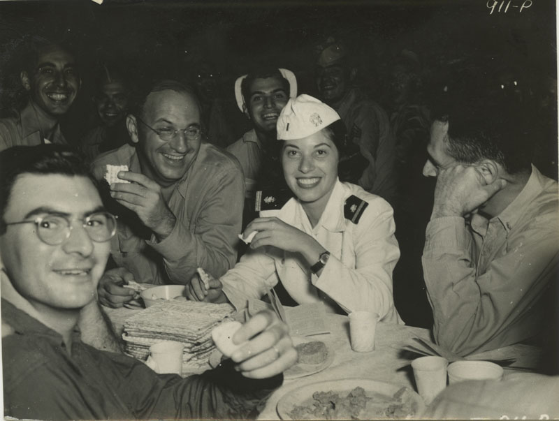 Jewish Servicemen and Women Celebrate Passover (Center for Jewish History)